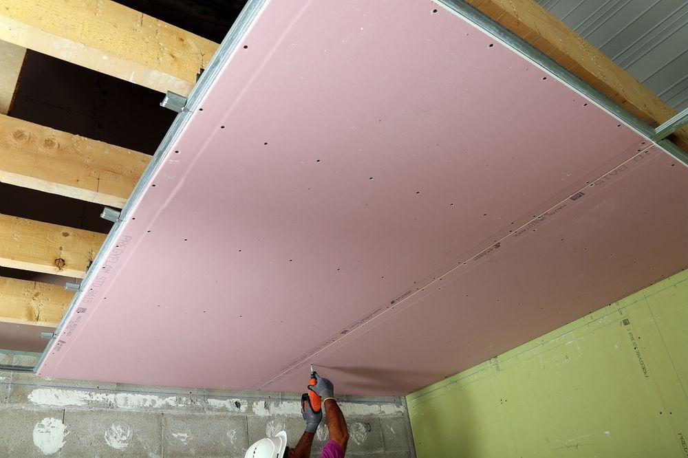 le faux plafond plaque de pl tre une vraie solution d 39 am nagement cloisons express. Black Bedroom Furniture Sets. Home Design Ideas